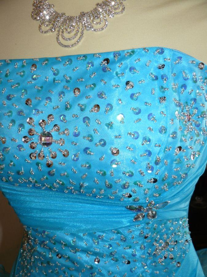 93c62905659f Alise tyrkysové a růžové sexy plesové šaty na maturitní ples. plesové šaty  » p na objednání » klasické. Cena s DPH 6500.00 Kč